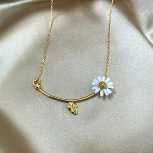 Kate Spade Daisy Flower Bee Necklace